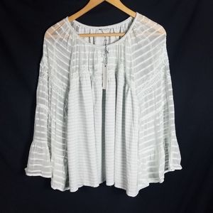 Lucky Brand bell sleeve top size XL